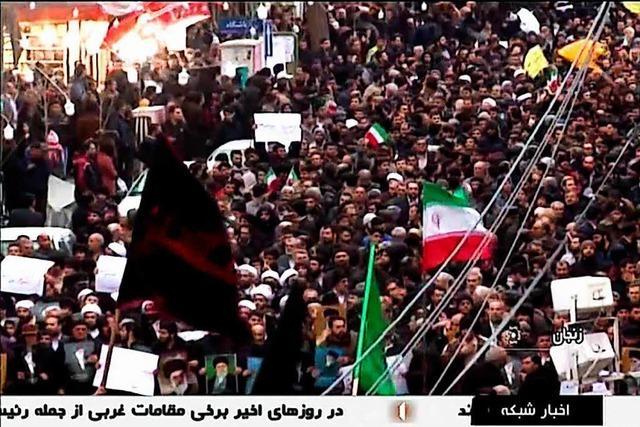 Mehr als ein Dutzend Tote bei Protestwelle im Iran