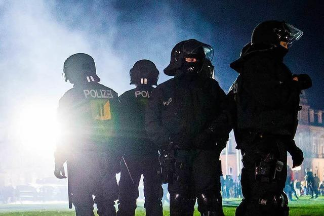 Silvester-Angriffe fachen Diskussion um Gewalt gegen Polizei an