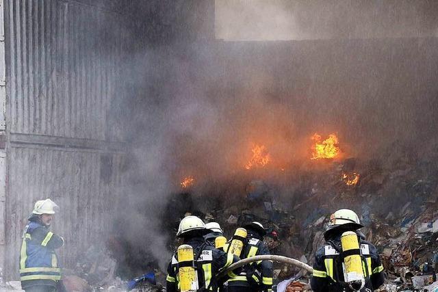 Wohnhäuser in Flammen