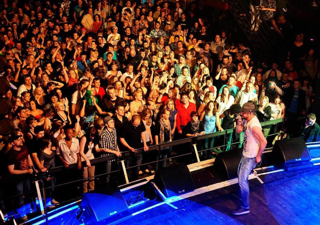 Der deutsche Reggae-Künstler Gentleman füllte die D.O.G.-Halle im Jahr 2011.    Foto: Wolfgang Künstle