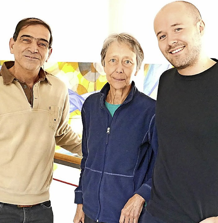 Simon Geiger (rechts) mit Monika Güsewell und Mohammed Jabur  | Foto: Vogt