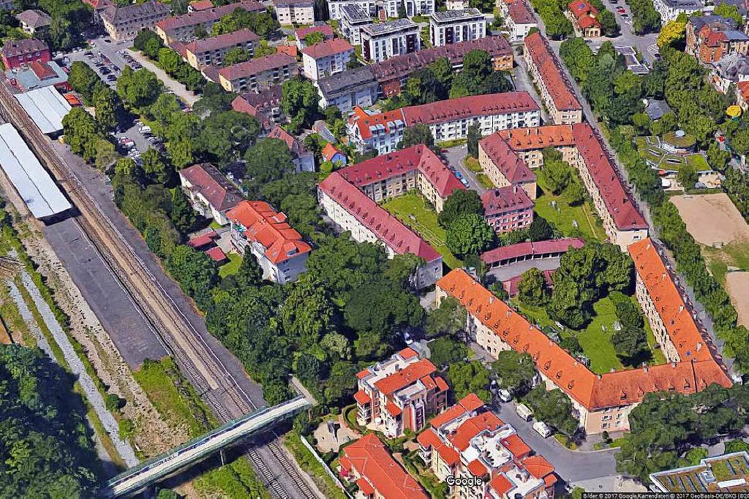 Die veraltete, aber städtebaulich bede...augenossenschaft Familienheim Freiburg  | Foto: Google-Luftbild/GeoDasis-DE/BKG