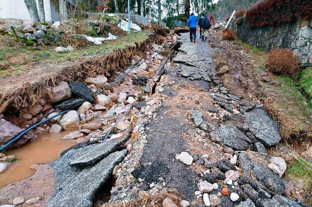 Die beschädigte Wasserleitung.  | Foto: Sebastian Barthmes