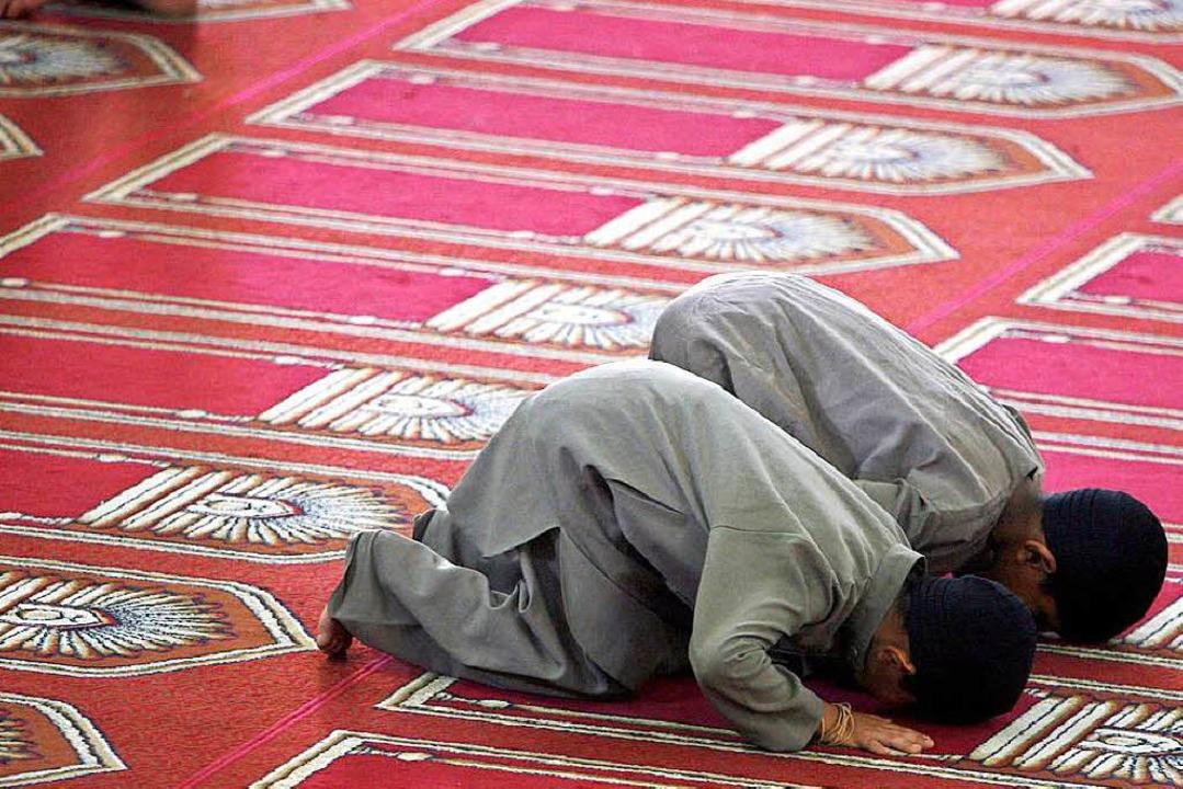 Betende in einer Moschee in Gaza.    Foto: Ali Ali