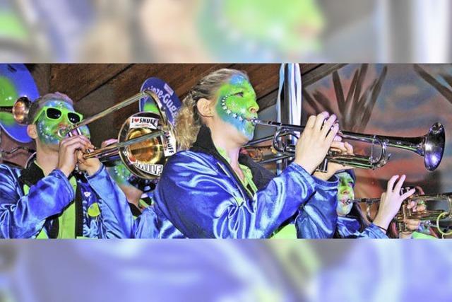 Guggenmusiker heizen Todtmoos ein