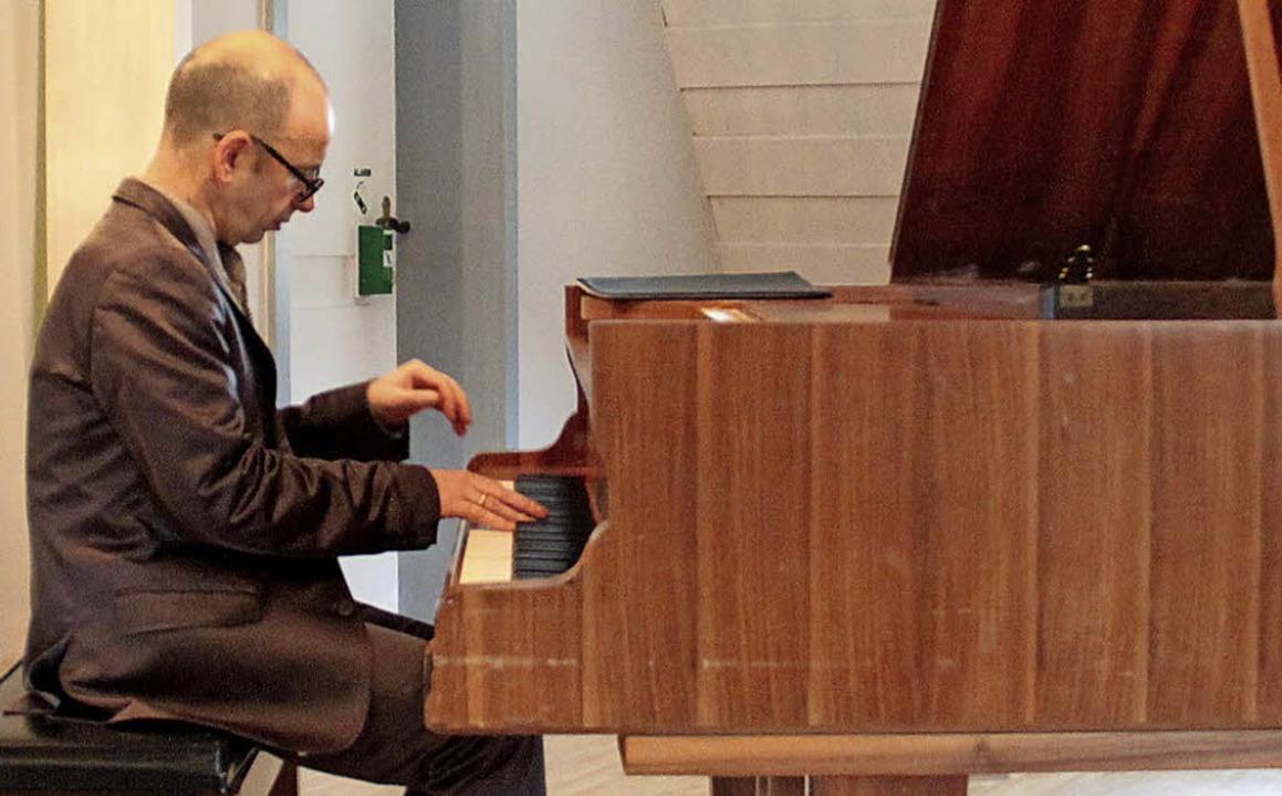 Georgi Mundrov beim Konzert im Wasserschloss   | Foto: Aaron Hohenfeld