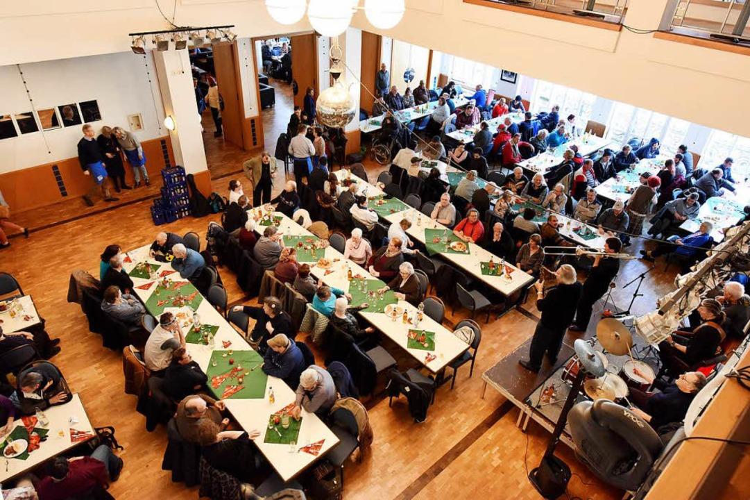 Der große Saal im Friedrichsbau wurde ...schule Gutmann zur Verfügung gestellt.    Foto: Rita Eggstein