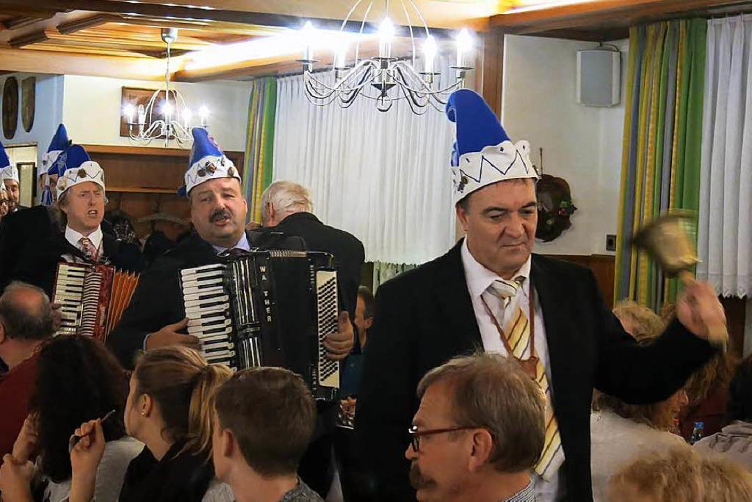Zum Auftakt der Hauptversammlung der P...besetzten Saal im Gasthaus Kranz ein.   | Foto: Erhard Morath