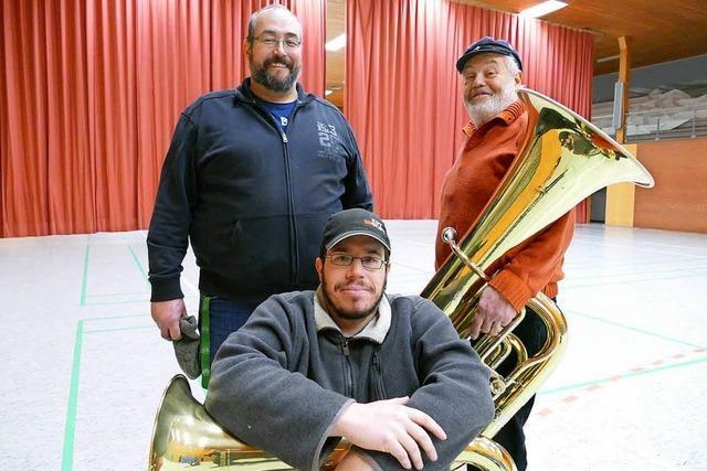 Drei Generationen einer Familie spielen beim Musikverein Brombach