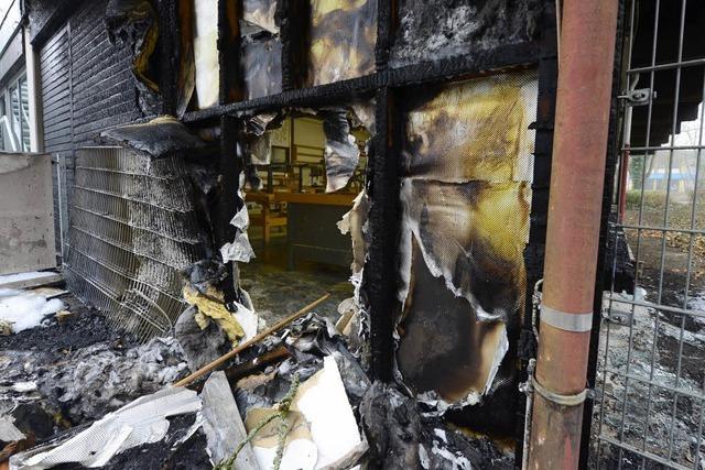 Nach Brandstiftung: Schule bleibt erst einmal gesperrt