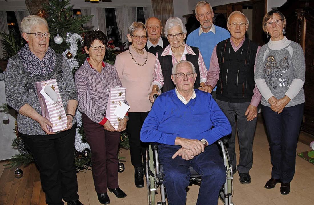 Die noch heute in der Seniorenwandergr...onrad Langendorf und  Elli Zimmermann   | Foto: Hans-Walter Mark