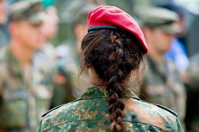 Die Bundeswehr bildet immer mehr Minderjährige an der Waffe aus