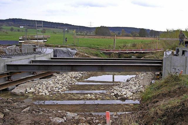 Neue Brücke lässt auf sich warten