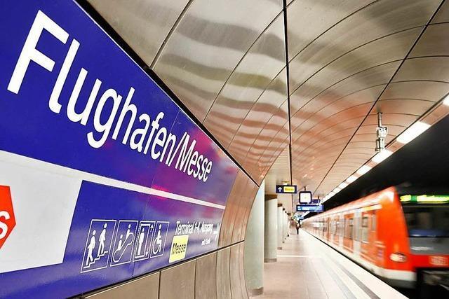 Kretschmann kritisiert Bahn wegen Plänen zur Flughafen-Anbindung