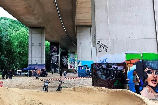 Abfuhr für Outdoor-Partys unter der Lörracher Autobahnbrücke