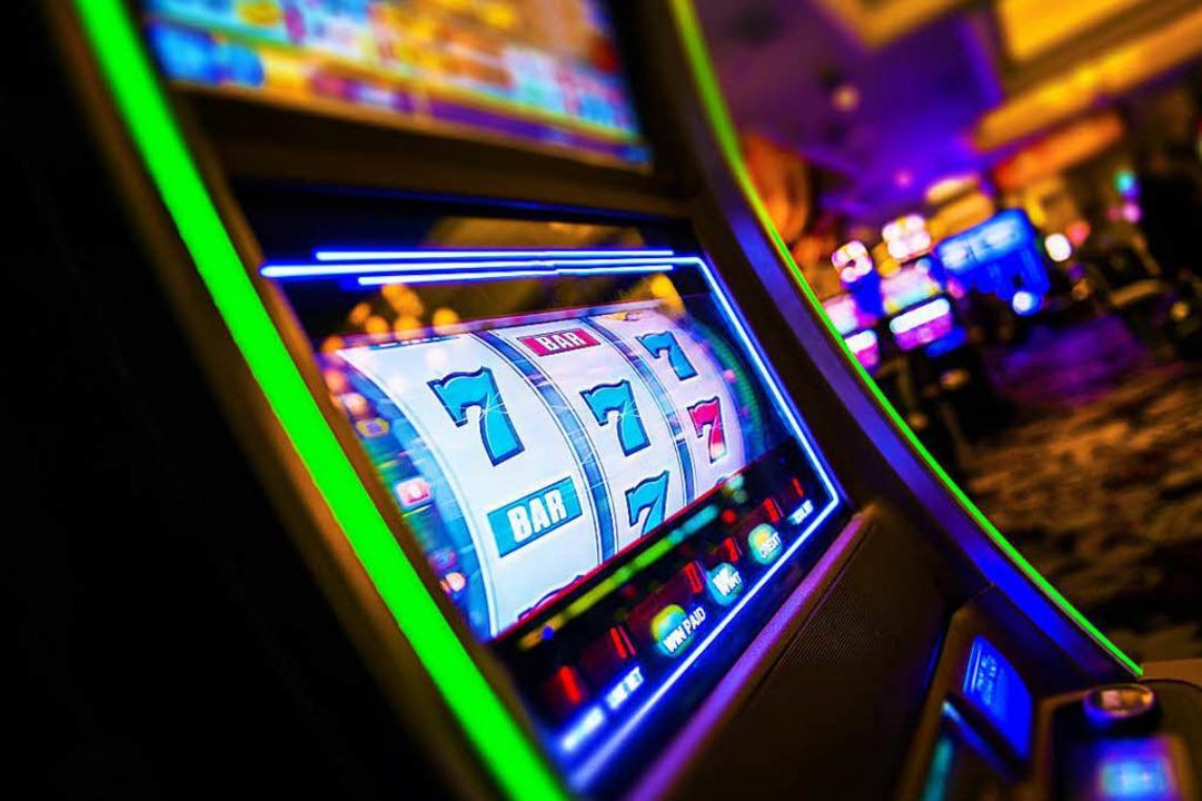 Mit einem Spiel für 10 Euro fing alles...echsstelligen Geldbetrag (Symbolbild).  | Foto: Tomasz Zajda / adobe.com