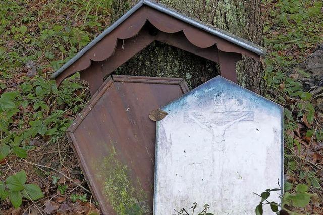 Burglind reißt Bildtafel weg
