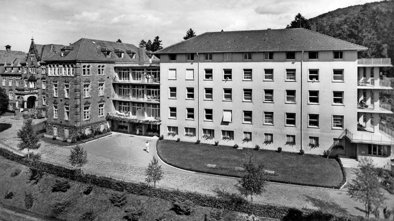 Das Lahrer Bezirkskrankenhaus mit dem ...tenau-Klinikum beim  Altvater gebaut.     Foto: Repros: Norbert Klein