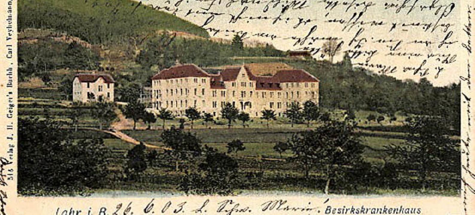 Eine alte Postkarte zeigt das Bezirkskrankenhaus    Foto: Norbert Klein