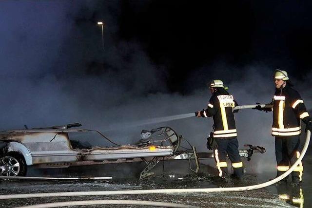 Die Wohnwagen bei Allmannsweier wurden in Brand gesteckt