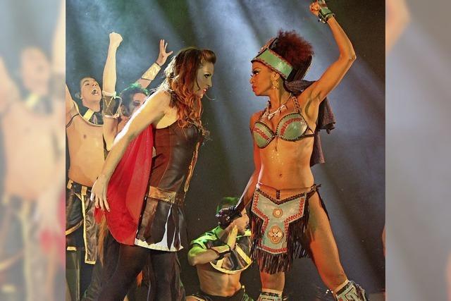 Tanzkunst und Glamour von der Insel