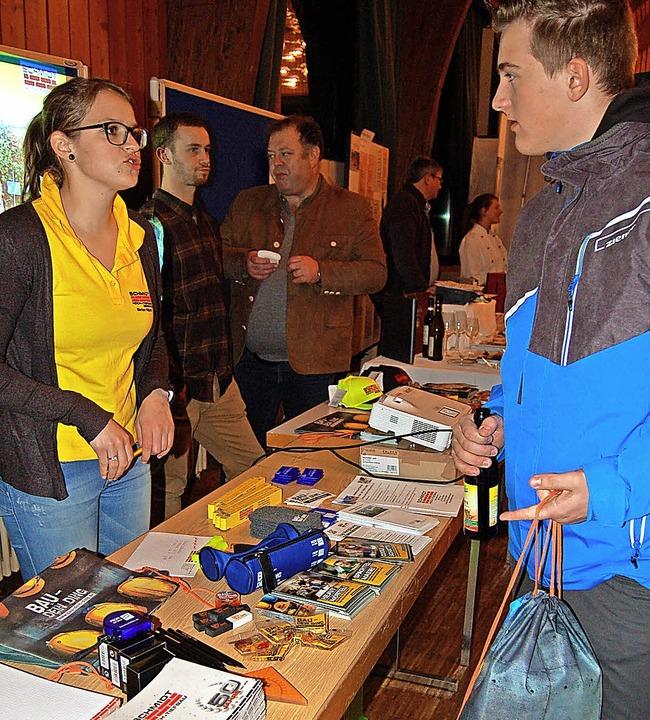 Ob bei der Firma Schmidt Hoch- und Tie...ern bei der Berufswahl helfen sollen.   | Foto: Claudia Renk