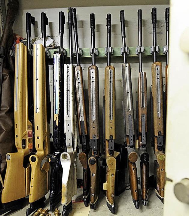 Waffenschrank eines Sportschützenvereins     Foto: Ingo Schneider