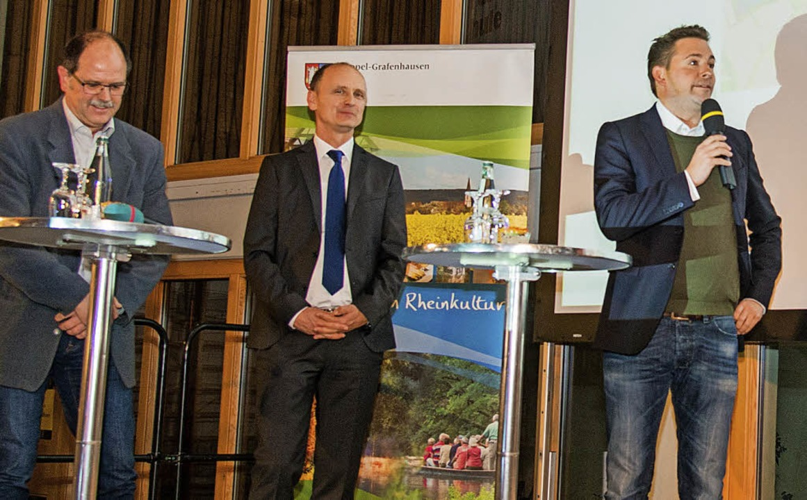 Infos direkt von den Fachleuten gab es...ld und Christopher Beußel (von links).  | Foto: Olaf Michel