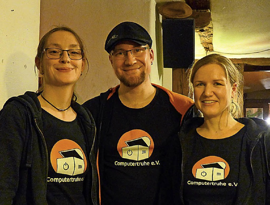 Drei von fünf aktiven Mitgliedern der ...isitzerin Annette Linder (von links).   | Foto:  Ute Schöler