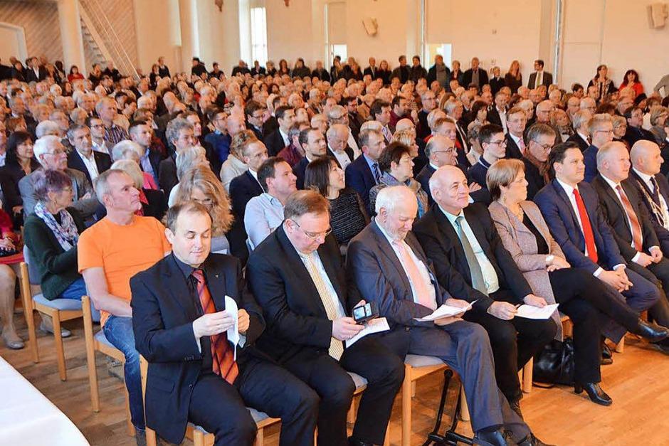 Gelegenheit zum Austausch und zur Begegnung bot der Neujahrsempfang in der Steinhalle (Foto: Gerhard Walser)