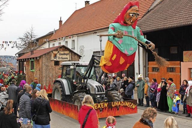 Volles Dorf zum Doppelfest