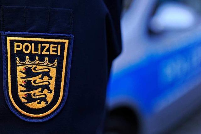 Hilferufe an der A8: Polizei befreit Flüchtlinge aus Container