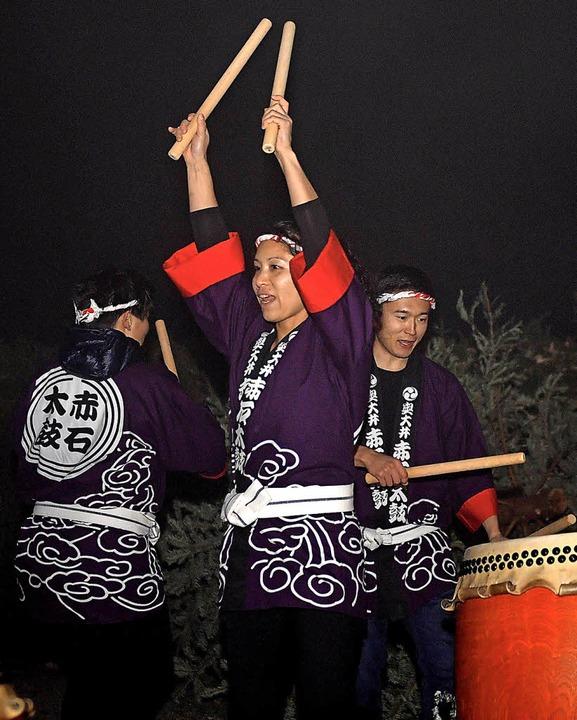 Die   Frauentrommelgruppe Taiko  sorgte für den richtigen Rhythmus.   | Foto: Wolfgang Scheu (7), Eva Korinth (1), Gert Brichta (1)