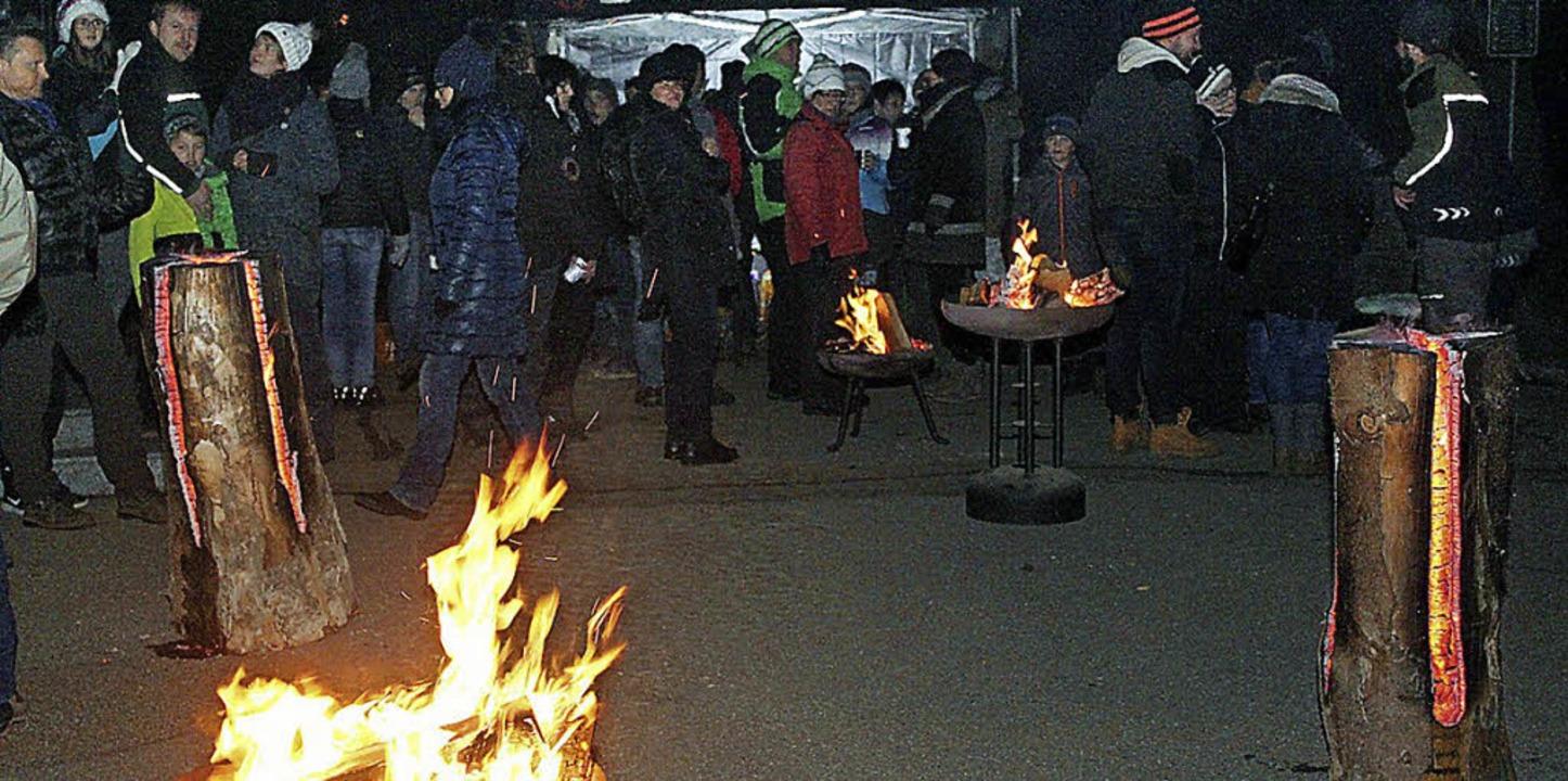 Geselligkeit am Feuer stand in Bubenbach im Vordergrund  | Foto: Gert Brichta