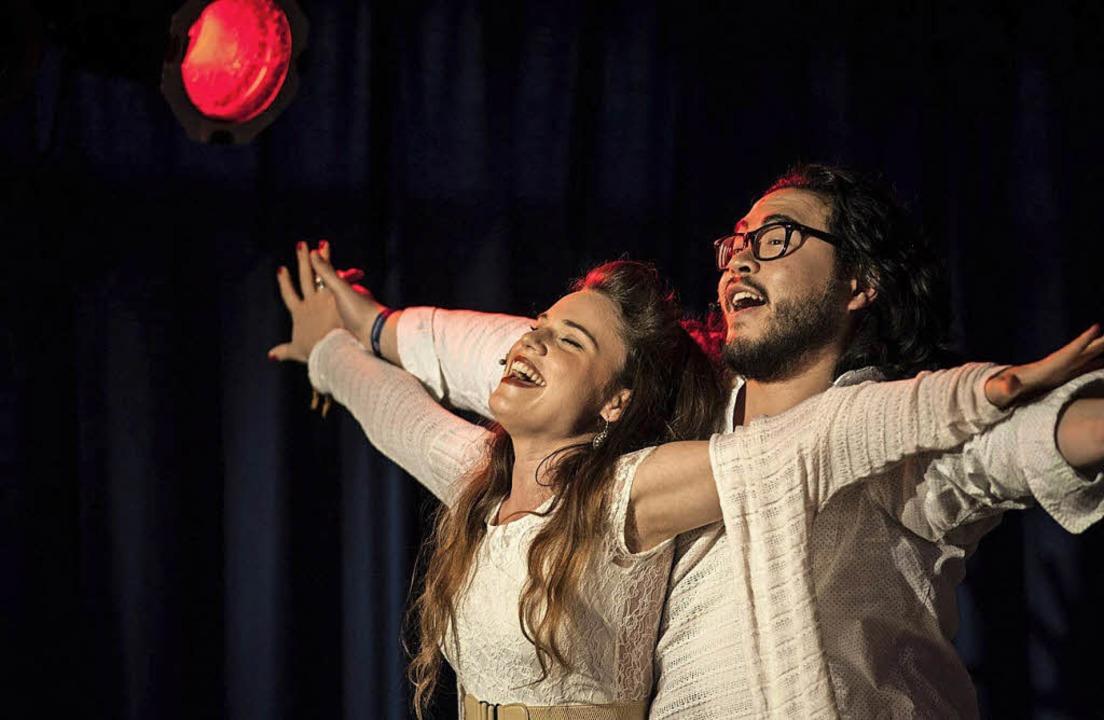 Angelina Marina Hamacher (Anaïs) und Juy Chu Chak (Gianni)   | Foto: Frank Kloten