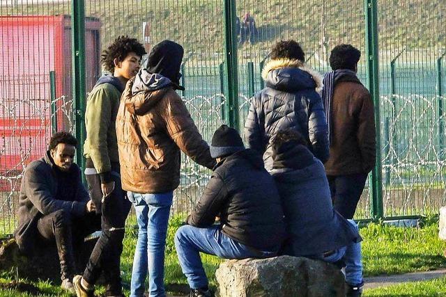 Migranten in Calais – am Kanal steigt die Anspannung