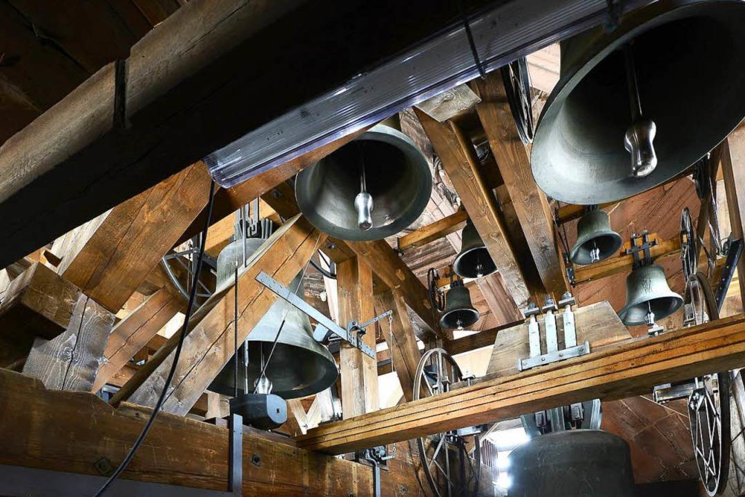 Die Arbeiten im Glockenturm und in der Türmerstube des Münsters verzögern sich.   | Foto: Ingo schneider