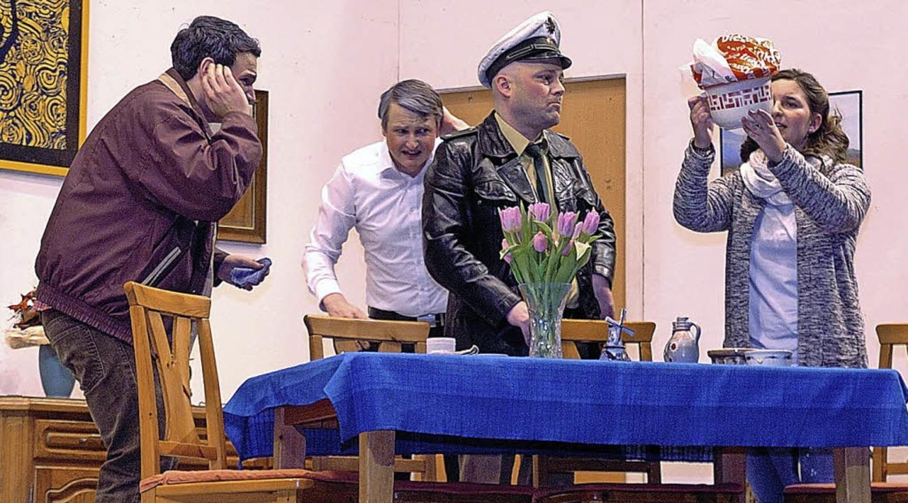 "Szene aus dem Theaterstück ""Kaviar und Hasenbraten""     Foto: J. Schweizer"