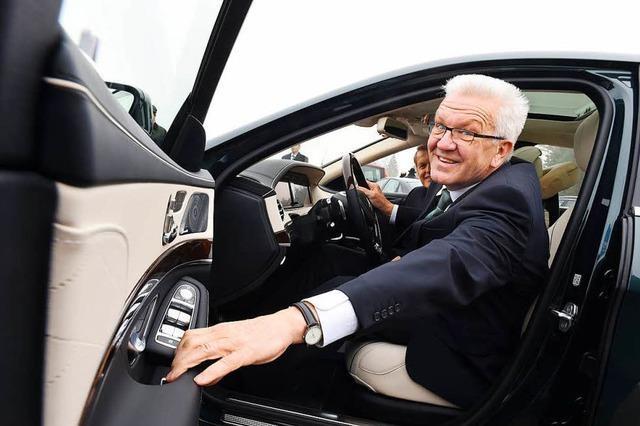 Darum findet Kretschmann seinen Dienstwagen besser als die Kutsche der Queen