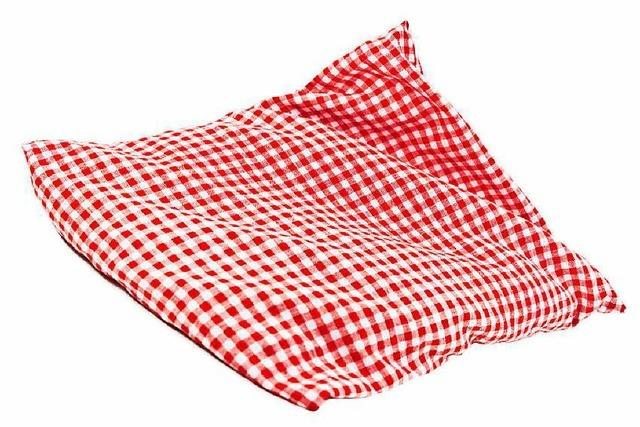 Frau erhitzt Wärmekissen zu stark: Matratze durchgeschmort