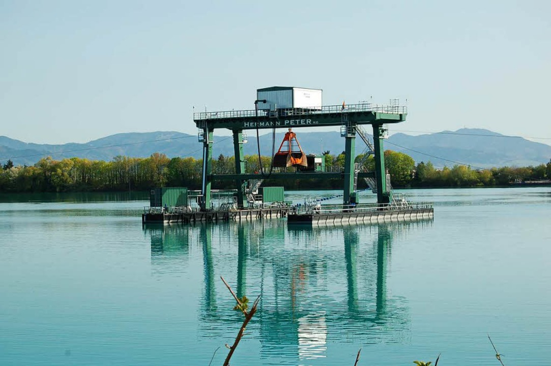 Bislang darf im Rimsinger Baggersee nu...werden. Möglich wären aber  120 Meter.  | Foto: Thomas Rhenisch