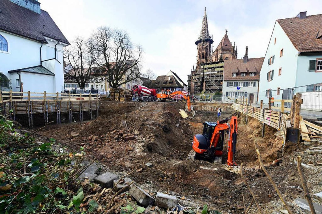 In der Herrenstraße haben die Arbeiten für das neue Münsterforum begonnen.  | Foto: Thomas Kunz