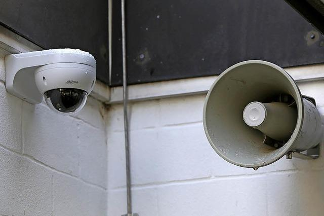 Schulhaus wird überwacht