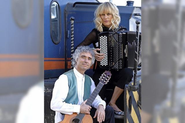 Chanson goes gypsy mit Chrisine Schmid und Gaetano Siino in Weil am Rhein