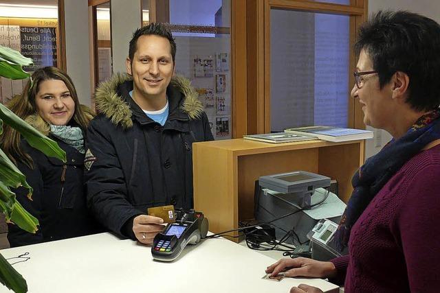 Im Rathaus bargeldlos bezahlen
