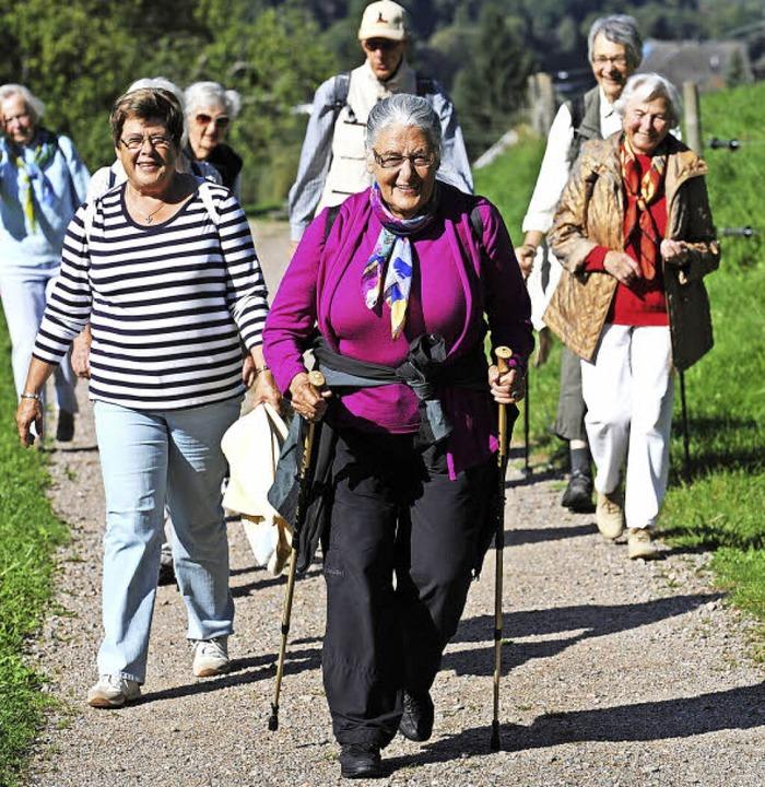Ein schöner Spaziergang in der Natur, ...gruppen speziell für ältere Menschen.   | Foto: PATRICK SEEGER (Archiv)/THOMAS KUNZ