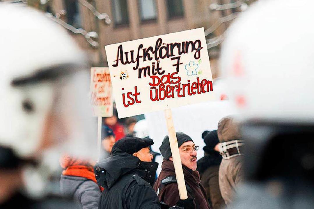 Immer wieder protestieren Eltern und A...Grundschule, wie hier 2015 in Hamburg.  | Foto: Daniel Reinhardt