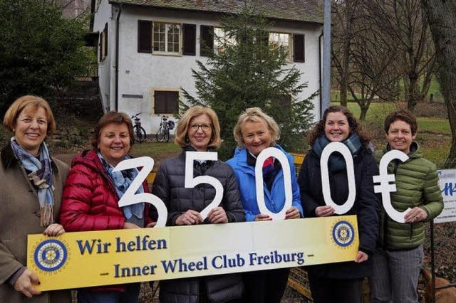 Spende des Inner Wheel Clubs