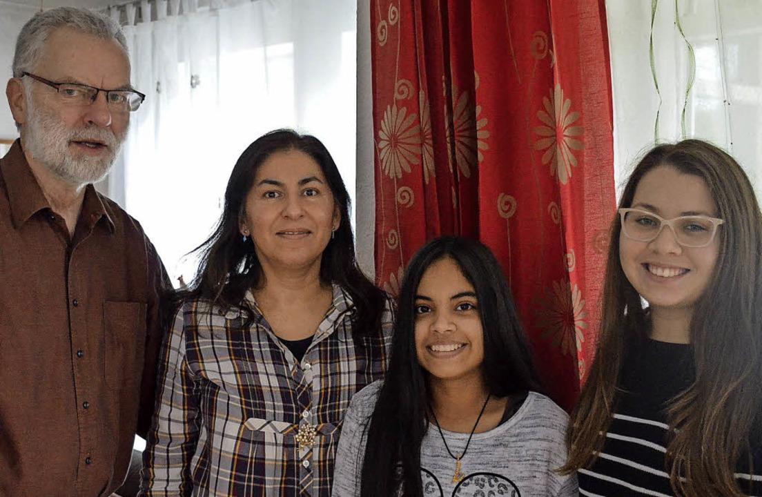 Deutsch-paraguayanische Freude über di...ana Lopez und ihre Betreuerin Ana Sosa  | Foto: Gabriele hennicke