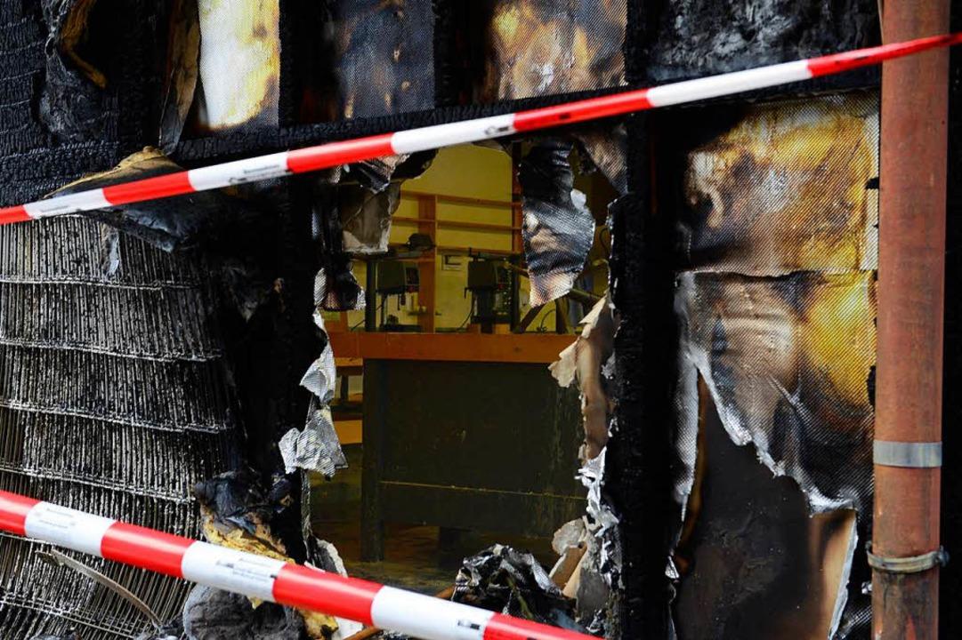 Der Technikraum der Albert-Schweitzer-Werkrealschule am Morgen nach dem Brand  | Foto: Ingo Schneider